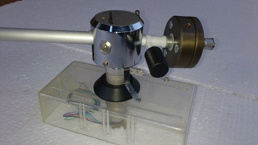 Alfred Bokrand's custom-made tonearms